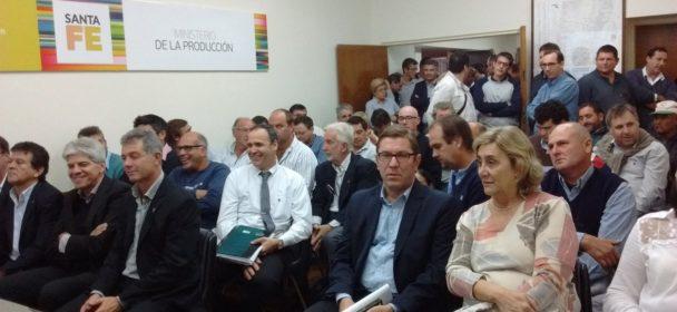 RODRIGO BORLA PARTICIPO DE LA PRESENTACION DEL PROGRAMA APICOLA PROVINCIAL.