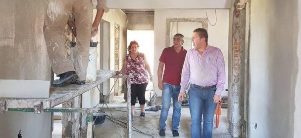 BORLA VISITO LAS OBRAS DE AMPLIACION Y REFACCION DE LA ESCUELA AGROTECNICA DE PEDRO GOMEZ CELLO.